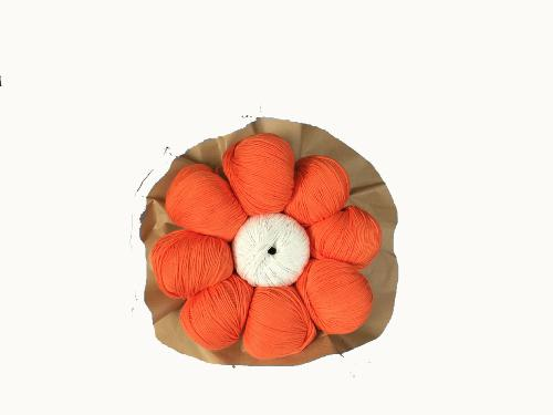 Bouquet de Pelotes de Laine Cotton 100 % couleur 30 Orange